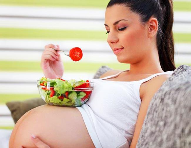 Alimentazione in gravidanza - cosa sì, cosa no